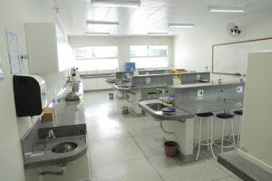 Laboratório de Farmacotécnica, Farmacognosia e Botânica